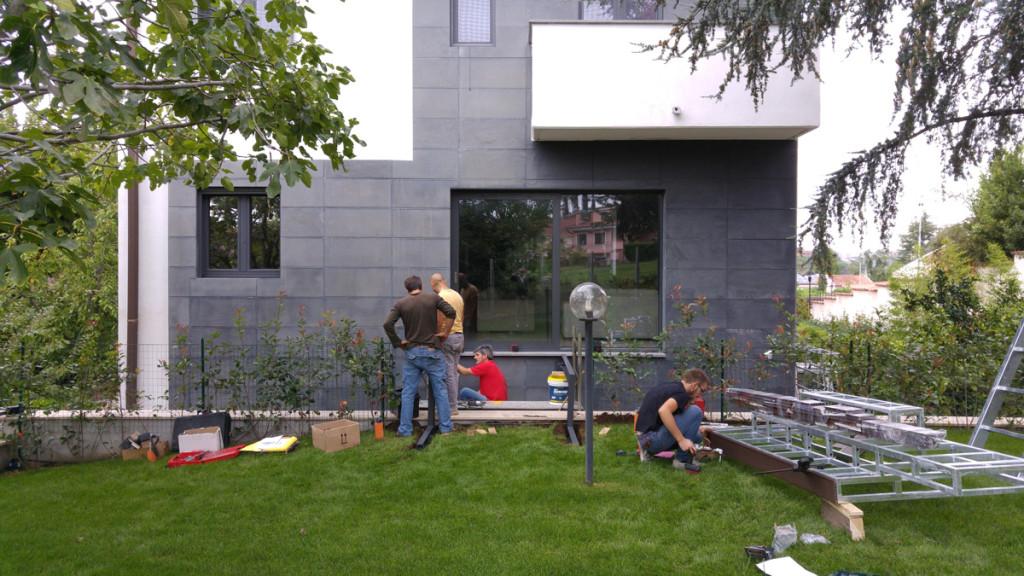 montaggio-passerella-giardino